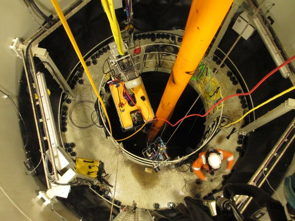 ROV replaces divers in monopile installation work